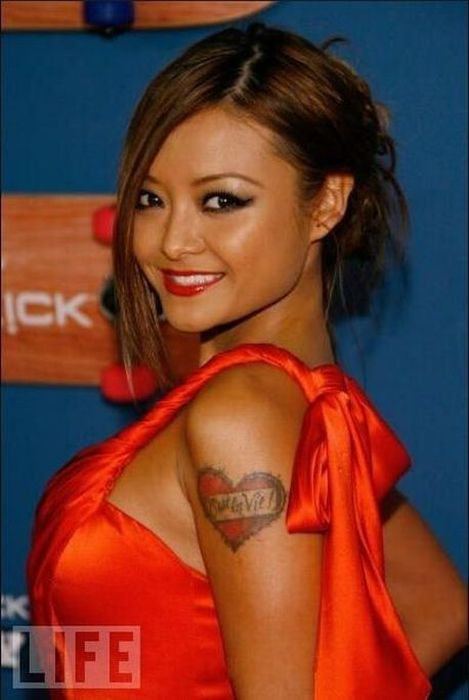 Татуировки голливудских звезд (16 фотографий)